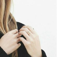 Vrai & Oro Fine Jewelry: An ethically sourced and manufactured collection of rings, bracelets and necklaces that radiates timeless sophistication Madison Montgomery, Jo Harvelle, Claire Novak, Carlson Young, Karen Page, Jandy Nelson, Dinah Laurel Lance, Chloe Decker, The Dark Artifices