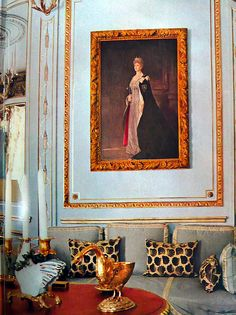 The Windsors' drawing room.   Vogue's Book of Houses, Gardens, People