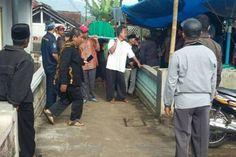 Coba Selamatkan Perempuan, Warga Ciamis Ini Jadi Korban Banjir di Bandung - http://www.rancahpost.co.id/20161063028/coba-selamatkan-perempuan-warga-ciamis-ini-jadi-korban-banjir-di-bandung/