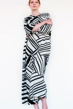 #Marimekkodesignhouse #thedress Dressy Dresses, Modest Dresses, Marimekko Dress, Textiles, Crazy Outfits, Lingerie, Fashion Outfits, Womens Fashion, Pattern Fashion