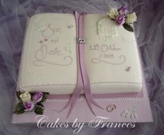 For a storybook wedding. Oh my gosh, this would be the most amazing thing. Open Book Cakes, Bible Cake, Confirmation Cakes, First Communion Cakes, Wedding Cake Alternatives, Storybook Wedding, Engagement Cakes, Novelty Cakes, Occasion Cakes