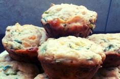 Cheese and Spinach Muffins Spinach Muffins, Savory Muffins, Savoury Baking, Spinach And Cheese, Easy Snacks, Stuffed Green Peppers, Cooking Time, Eat, Breakfast