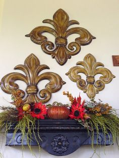 The Tuscan Home: Tuscan Style Wall Shelf Decorated For Fall
