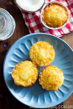 Receita fácil e sem segredos da tradicional queijadinha portuguesa e de Festa Junina. Vai bem com um café fresquinho. | cozinhalegal.com.br