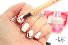Nail Art Japanese cherry blossom nails