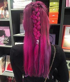 Vi vil ha hårfargen til @rockstarcharlie  #stylistano #haircolor #pinkhair #inspo
