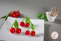 Cherry like finger food that can be used also as a garnish for main dishes.