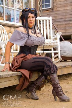 Ivy Doomkitty Gallery http://www.arcade-games-web.com/galleries/ivy_doomkitty_2/ Comic Con Cosplay and art by the super hot curvy plus-size model Ivy Doomkitty. Steam Punk.