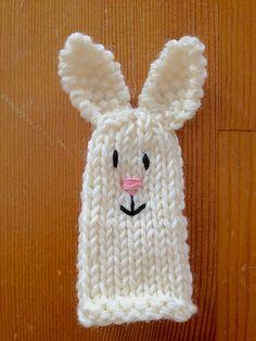 Ravelry: Aelys' Bunny Finger Puppet