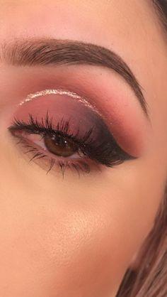 Huda beauty rose gold palette Pink glitter cut crease
