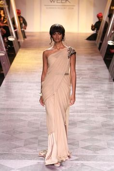 Tarun Tahiliani at Lakmé Fashion Week S/S 2014
