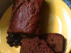 This rich and moist Amish Friendship Bread cake goes great with a steamy cup of coffee. Friendship Bread Recipe, Friendship Bread Starter, Amish Friendship Bread, Best Amish Recipes, Amish Bread Recipes, Dutch Recipes, Loaf Pound Cake Recipe, Amish Sweet Bread Recipe, Chocolate Deserts