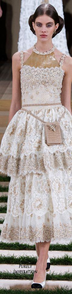 CHANEL SPRING COUTURE 2016 FASHION SHOW