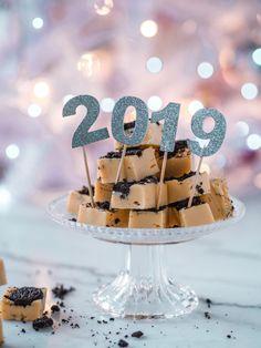Oreo Fudge, Birthday Cake, Sweets, Desserts, Food, Tailgate Desserts, Deserts, Gummi Candy, Birthday Cakes
