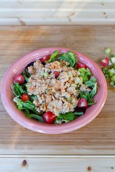 Tuna - You'll never guess the secret ingredient that makes this creamy dish so delish on top of greens or inside a sandwich. #recipe #healthy #fish https://greatist.com/eat/recipes/no-mayo-tuna-salad