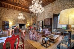 Reference: S407. Castles also have a cozy living room!