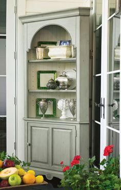 This corner cupboard is part of the Paula Deen Home Collection  Furniture  inspired by Paula s philosophy of making everyone feel like family in her owPaula Deen Bedroom Furniture Collection  Steel Magnolia   Bedroom  . Paula Deen Bedroom Furniture Macy S. Home Design Ideas