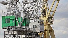 Crane operator job description, duties, tasks, and responsibilities