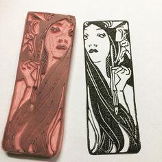 La dama de la pluma. Handcarved stamp by Natàlia Trias  #mucha #alphonsemucha