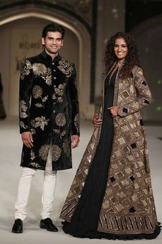 Clothing: Tevinter --- Rohit Bal - Lakme Fashion Week F/W 2016 (part Rohit Bal, Pakistani Bridal Dresses, Indian Dresses, Indian Wedding Outfits, Indian Outfits, Trendy Dresses, Fashion Dresses, Look 2018, Velvet Fashion