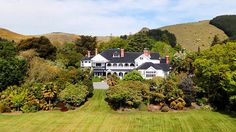 A slice of 'Downton Abbey' good life in New Zealand