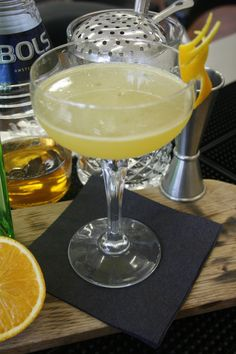 Mayfair Cocktail (1921 at the Embassy Club) - 25ml Tanqueray Ten, 25ml Freshly squeezed orange juice, 3 dashes Bols Apricot liq, 10ml Home made clove syrup. (semi twist from Apricot syrup recipe) #cocktailove #mcscalendar