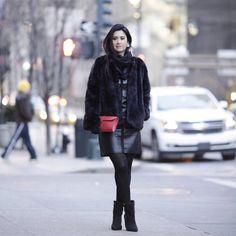 Look de inverno com saia e ankle boot
