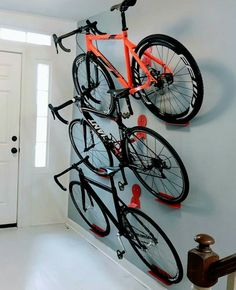 The Dan pedal hook is a horizontal bike storage system. He is easy to use and offers the display look of shelves and brackets at a lower cost. Dan angles the bi cycling DaHÄNGER Dan pedal hooks for three bikes Bike Storage Systems, Garage Storage Solutions, Diy Garage Storage, Storage Hooks, Bicycle Storage Garage, Storage Ideas, Wall Storage, Bike Hooks, Bike Hanger