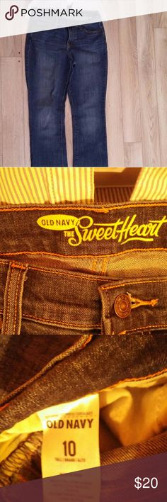 Old Navy Sweetheart Jeans Sweetheart jeans for a curvy figure! These jeans are 10 Tall. Old Navy Jeans Boot Cut