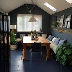 Best Cozy Rustic Dining Room Decor Ideas You May Love is part of Amazing Rustic Farmhouse Home Decoration - Dining rooms have evolved from the traditional family space to entertainment rooms that radiate elegance and style to guests Kitchen Table Bench, Kitchen Wood, Dining Tables, Kitchen Worktop, Built In Seating, Floor Seating, Dining Room Inspiration, Dining Room Design, Rustic Dining Rooms