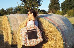Nelle borse di Emozioni in Libertà create da Maria Rosaria e Anna Lisa Ciullo c'è un sapore di semplicità e un'idea di bellezza