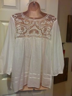 I love the crochet or tatting on this.. Peasant blouses are just such fun to wear.