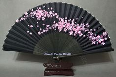 Japanese Hand fan folding fan (black) with Sakura pattern Fantasy Dress, Fantasy Art, Anime Weapons, Kawaii Accessories, Vintage Hair Combs, Vintage Closet, Art Thou, Diy Crafts For Gifts, Cute Backpacks