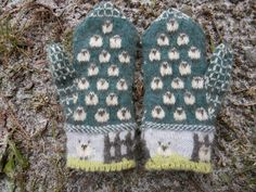 Ravelry: Yan Tan Tethera: Counting Sheep in Century Poetry Mittens pattern by The Farm at Morrison Corner Fingerless Mittens, Knitted Gloves, Knitting Socks, Baby Knitting, Knitting Charts, Knitting Patterns, Mittens Pattern, Animales, Socks