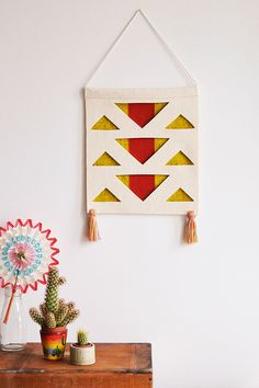 Easy felt DIY wall hanging
