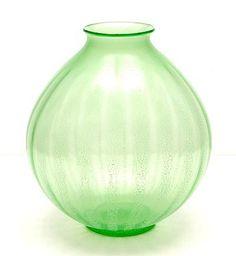 """Botterweg Auctions Amsterdam > Annagroen glazen """"Serica"""" vaas No.5 met tincraquelé, ontwerp A.D.Copier 1928, uitvoering Glasfabriek Leerdam"""