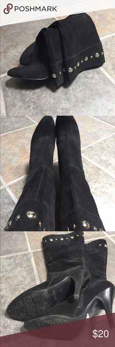 🌲Guess understated bling boots🌲 Cute fun holiday boots Guess Shoes Heeled Boots
