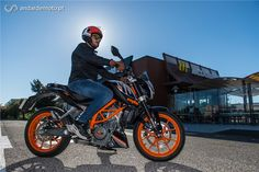 KTM 390 Duke - Pronta para a brincadeira - Test drives - Andar de Moto