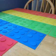 I think I am going to use this idea to make bday party place mats out of construction paper, let the kids help make them, personalize them, and then laminate and let them take them home.