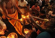 Diwali festival of lights: Sri Lankan Hindus receive blessings from a priest…