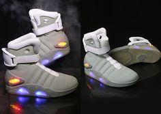 newest a7604 e279a Retour vers le futur  la réplique des Nike Air Mag de Marty McFly  maintenant en vente