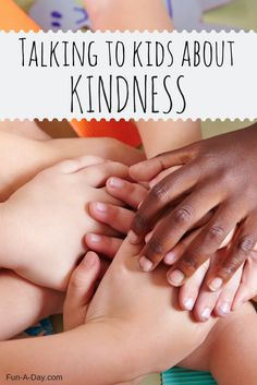 Kindness Activities Preschool Anchor Chart - what a great way to talk to kids about what kindess means! #PLAYfulpreschool