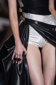 Atelier Versace Fall 2014 Haute Couture Detail