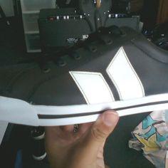 Macbeth Eliot Premium. Black & White leather.