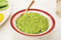 Verde com verde: essa combinação fica fresquinha da silva. E mais verde: leva coentro! Prepare a pastinha para receber amigos no calor do verão.