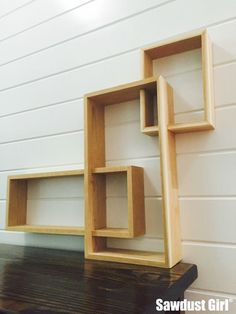 Decor DIY Inspiration : Three Tiered Display Shelf -Read More – Wood Home Decor, Diy Home Decor, Display Shelves, Shelving, Box Shelves, Regal Display, Sawdust Girl, Diy Furniture Plans, Diy Wood Projects