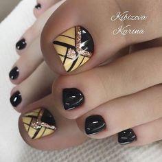 Toenail Art Designs, Pedicure Designs, Pedicure Nail Art, Short Nail Designs, Nail Manicure, Glitter Toe Nails, Gel Toe Nails, Toe Nail Art, Bling Nails