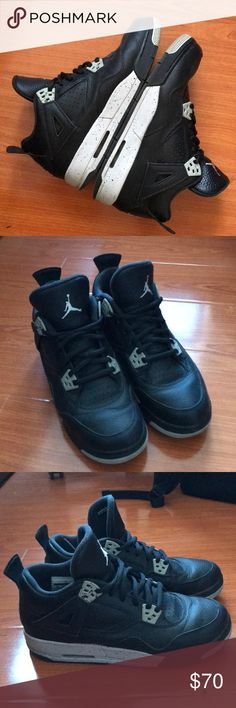 """Air Jordan 4 retro """"Oreo"""" Only wore a handful of time. Kids size for women  7 Nike Shoes Sneakers"""