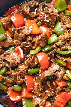 Pepper Steak Stir-Fry - - You'll love this pepper steak stir-fry recipe: A restaurant-quality dinner that you can make in less than 20 minutes, using simple and fresh ingredients. Pepper Steak Stir Fry, Pepper Steak Recipe Easy, Pepper Steak Recipes, Venison Stir Fry Recipe, Sizzle Steak Recipes, Pepper Steak And Rice, Minute Steak Recipes, Peppered Beef Recipe, Meat Recipes