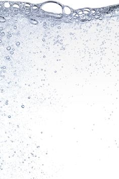 Using sparkling water to wash your face is a growing trend in the US that originated in Japan and moved to Korea. It offers up skin benefits and won't disrupt the your skin's pH levels, which can trigger irritation. Japanese Beauty Hacks, Water Background, Water Benefits, Face Treatment, Wash Your Face, Galaxy Wallpaper, Beauty Care, Underwater, The Secret